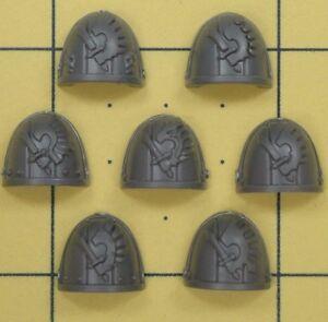 Warhammer 40K Space Marines Dark Angels Ravenwing Command Squad Shoulder Pads