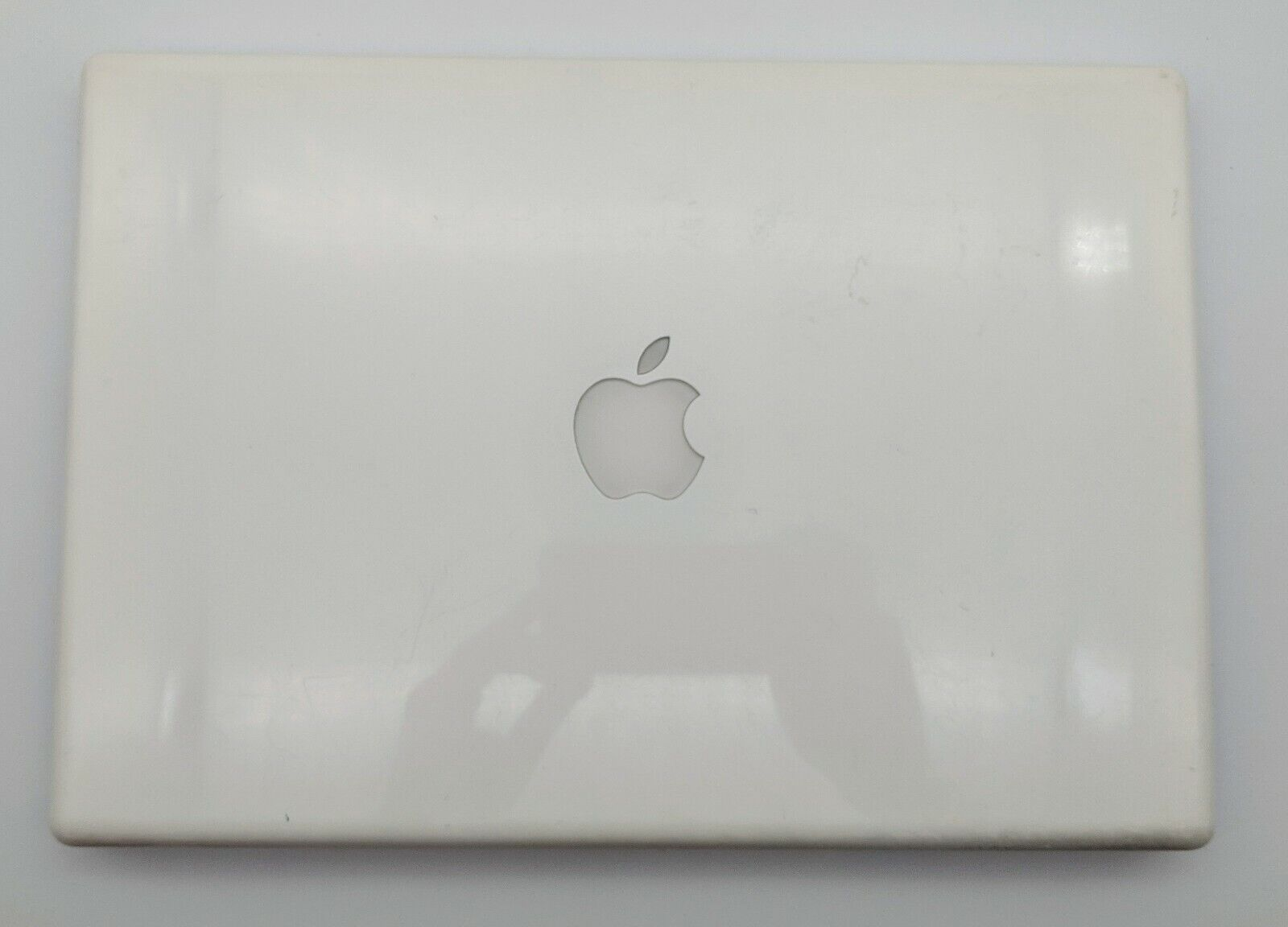 """Apple MacBook A1181 2007 Laptop 13.3"""" White Laptop NO HDD BATTERY FOR PARTS"""