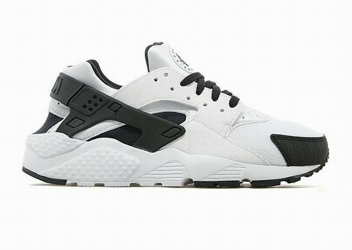 EXCLUSIVE NIKE AIR HUARACHES RUN(GS) WMN/BYS/GRLS TRAINER WHT/WHT/BLK ALL SIZE