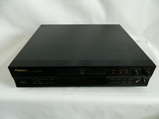 Pioneer PDR-555RW CD Compact Disc Recorder with Manual