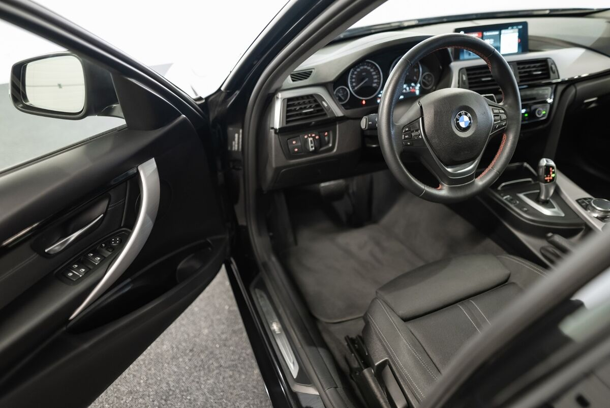 BMW 320d Touring aut.