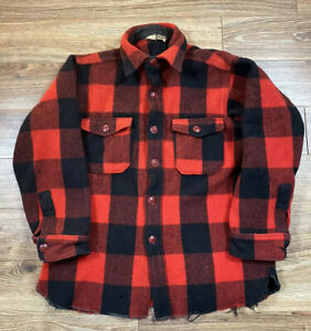 Vintage-Woolrich-Buffalo-Checkered-Plaid-Wool-Flannel-Board-Shirt-Sz-Small
