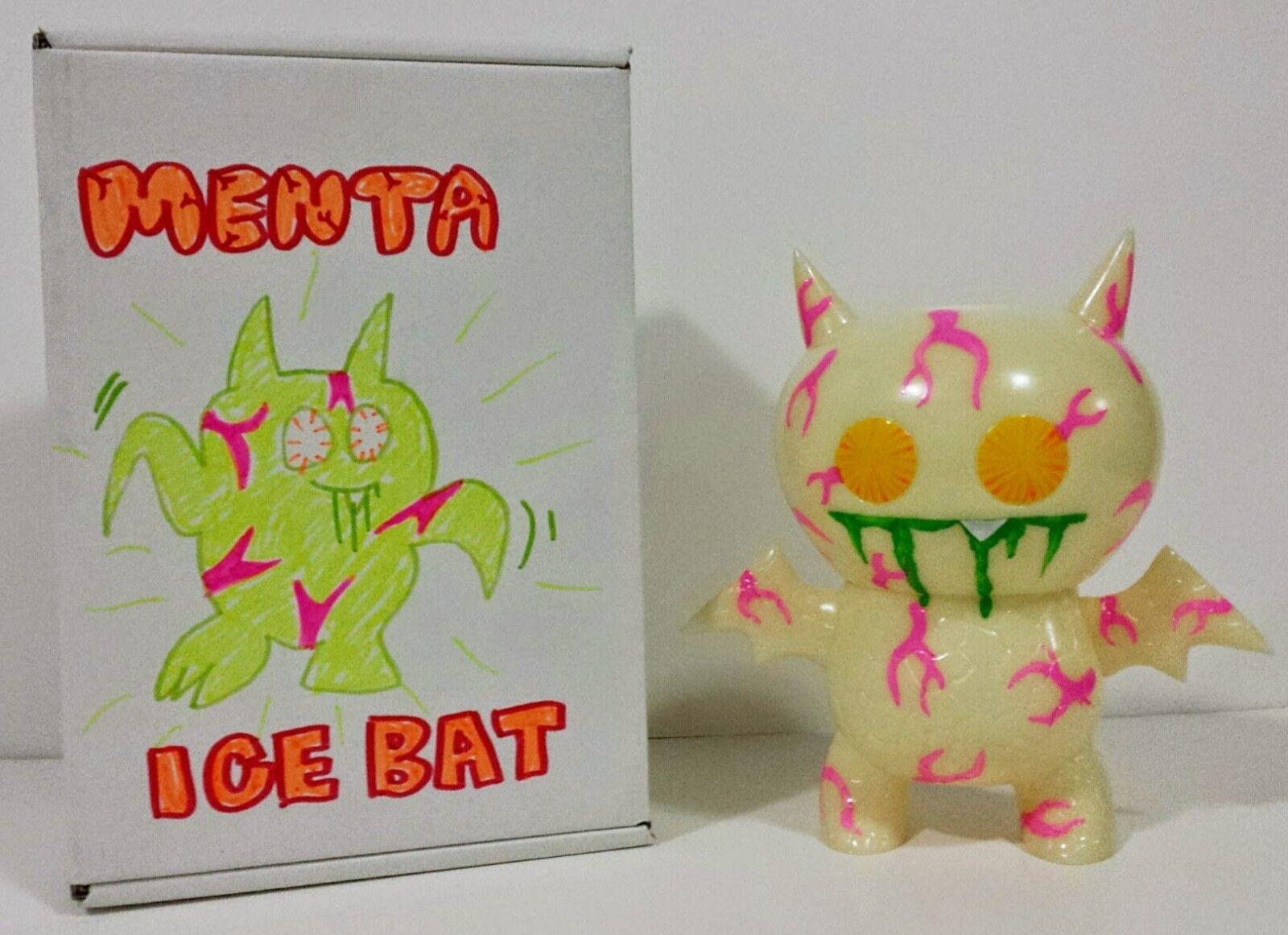 SUPER RARE  GLOW IN THE DARK MENTA ICE-BAT Kaiju Vinyl UGLYDOLL  ONLY 25  DEHARA