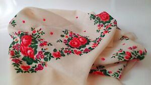 Vintage-USSR-wool-shawl-Babushka-Russian-Hustka-Retro-Floral-Ukrainian-scarf