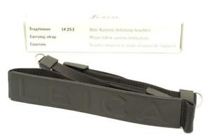 Leica-Black-Carrying-Strap-14253