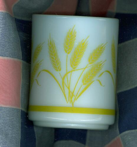 "Vintage Milk-Glass Mug Coffee Cup Decoration Golden Wheat 3 3//8/"" High"