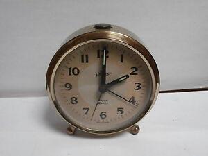 Horloge-reveil-table-Peter-fabrique-en-Allemagne-quartz-quartz