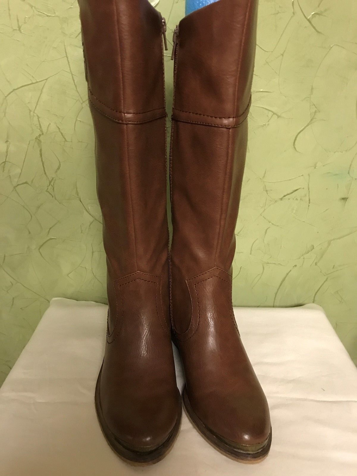 NWB Bare Traps Taupe Brown knee high ladies boots metal sz 5 M accent metal boots on toe c859bc