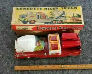 VINTAGE-TOYMASTER-TIN-LITHO-FRICTION-TOY-CONCRETE-MIXER-MADE-IN-JAPAN-W-BOX-NICE