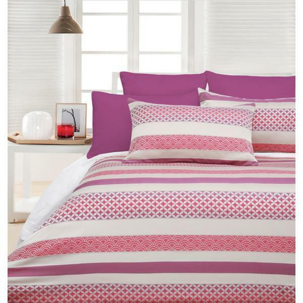 Accessorize Hyatt Pink Jacquard KING Size Quilt Doona Cover Set
