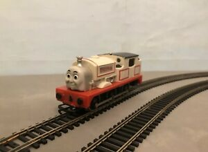 HORNBY-TRI-ANG-THOMAS-AND-FRIENDS-CUSTOM-STANLEY-LOCO-MOTORIZED-00-SCALE