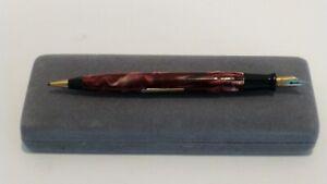 Vintage-WearEver-fountain-pen-and-pencil-combo-Exceptional-colour-c-1930