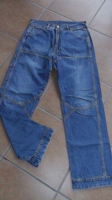 Jeans von Diesel  Herrenjeans Hose  weiße Ziernähte Größe 30  NEU