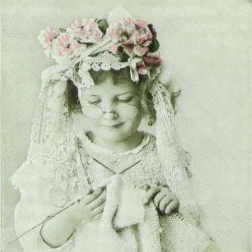 Decoupage Craft Sagen Vintage Knitting Girl 4x Paper Napkins for Party