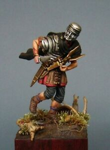MASTERCLASS-SOLDIERS-SMES12-Saving-the-eagle-of-Legion-Teutoburg-Forest-54-mm