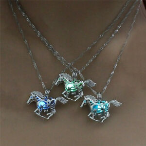 Hollow-Luminous-Horse-Pendant-Necklace-Glow-In-Dark-Chain-Necklace-JT