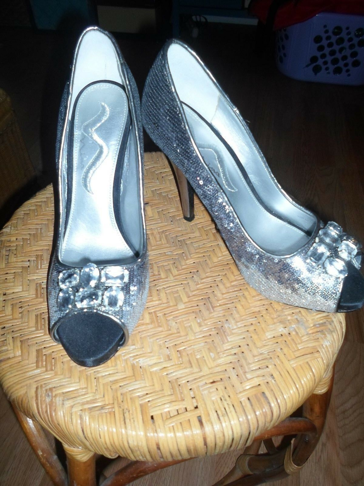 Nina Pewter Peep Silver Sequin Jeweled Peep Pewter Toe Heels 8M 1f2d82