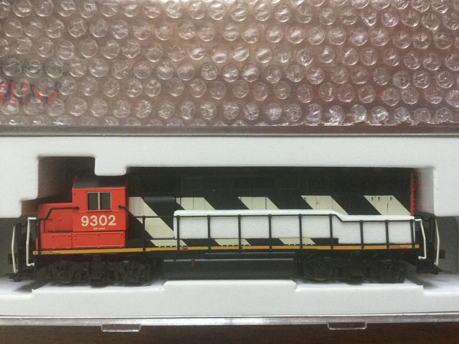 ATLAS 1 160 N SCALE CANADIAN CANADIAN CANADIAN NATIONAL EMD GP40 DCC RD   9302 ITEM   40001934 F S 252b44