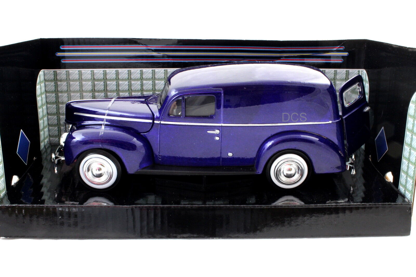 Motormax 1940 Ford Sedan Entrega azul 1 24 24 24 de Metal Cars 70918d