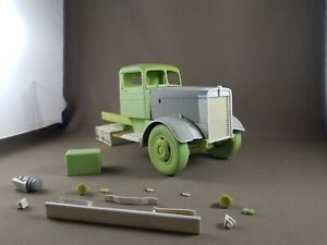 Pre-Order-Kenworth-W-825-034-Needle-Nose-034-1-25-scale-resin-cab-kit