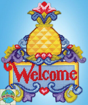 Plastic Canvas Kit ~ Jim Shore Welcome Pineapple Wall Hanging #DW2274