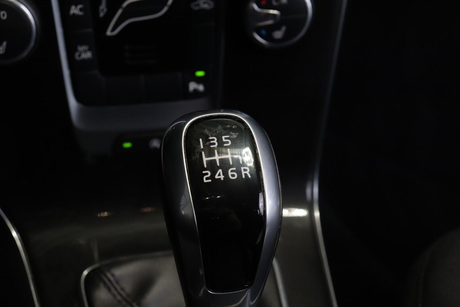 Volvo V40 CC D2 120 Momentum