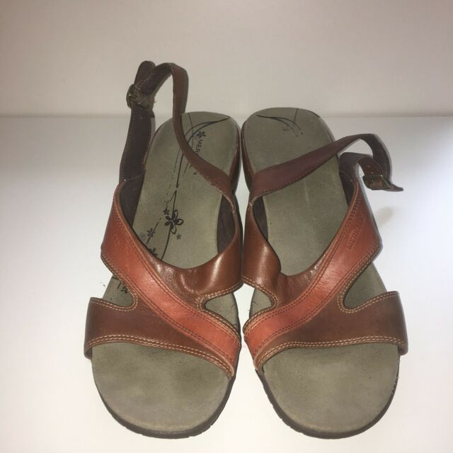 Merrell Women's  Leather Thong Sandals Size 9