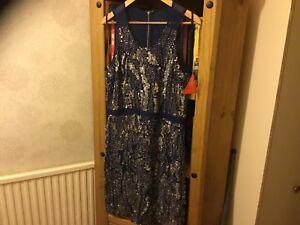 £ Blue Raishma 200 14 Dress Paillettes Rrp Size 4wZPC