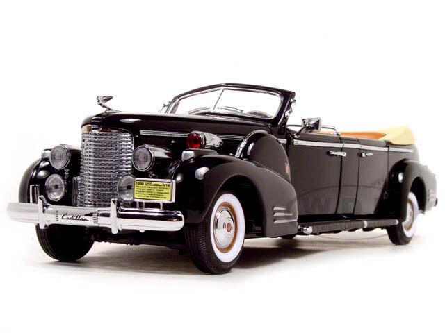 1938 illac V-16 Roosevelt Limousine avec drapeaux 1 24 par Road signature 24028