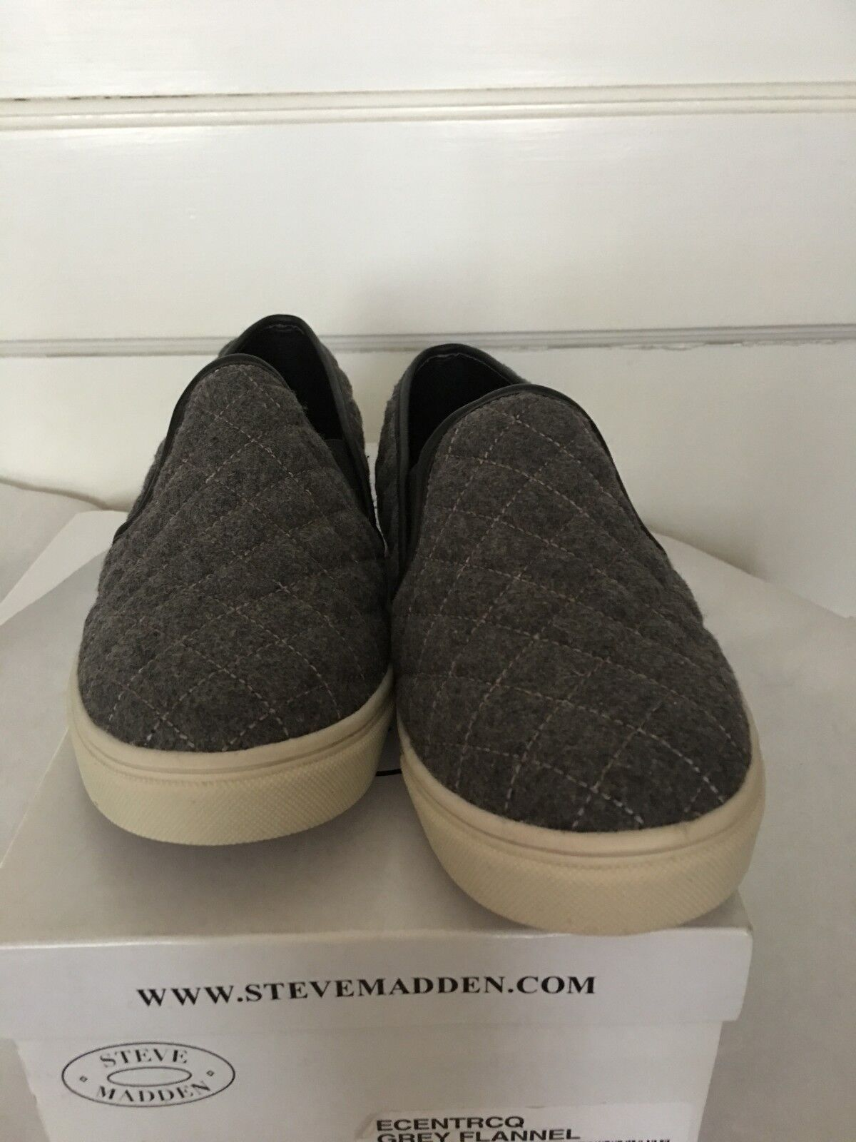 STEVE MADDEN ECENTRCQ GREY FLANNEL QUILTED SNEAKERS SZ 8 M NEU WITH BOX