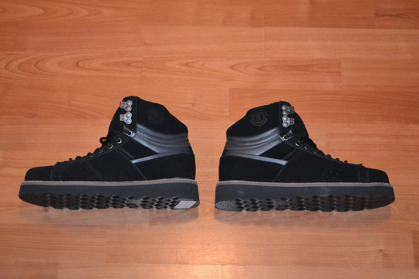 ELEMENT + MEN'S OMABOOT + SIZE 8 AND 9 + BLACK + LEATHER + BRAND NEW IN BOX