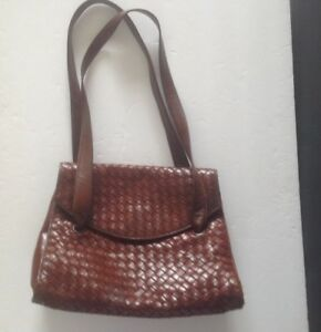 8507ffd404 Image is loading BOTTEGA-VENETA-CHOCOLATE-BROWN-WOVEN-LEATHER-SHOULDER -STRAP-