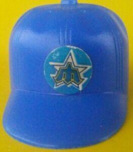 1970-Seattle-Mariners-Vintage-mini-Cap-hat-gumball-machine-Baseball-bat-helmet-1