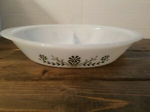 Vintage-Glasbake-Large-Divided-Green-Daisy-Oval-Serving-Dish-12-034-x-8-034-Rare