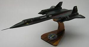 SR-71 Blackbird NASA SR71 US Air Force NASA Airplane ...
