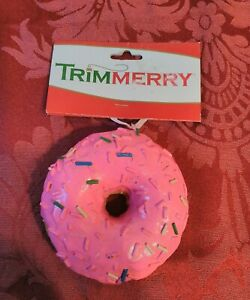 Trimmerry-Pink-Doughnut-Christmas-Ornament-Looks-Real