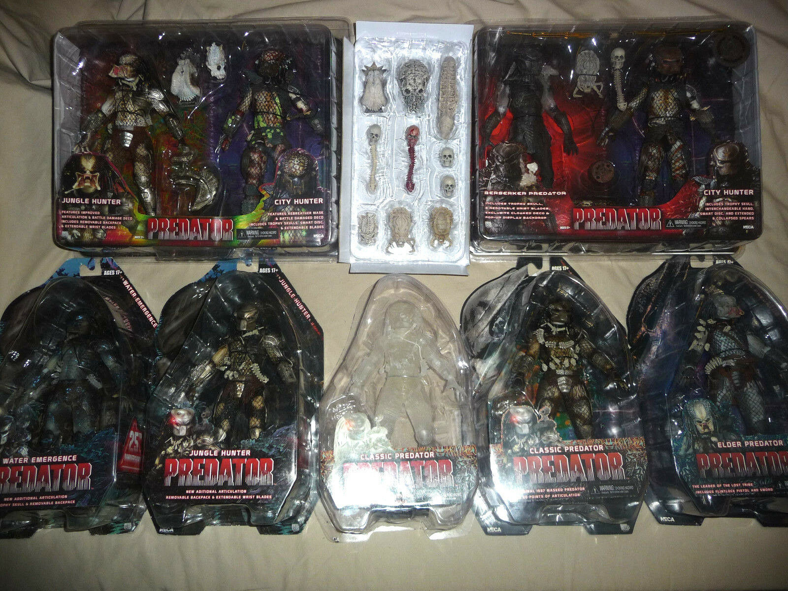 Ultimate NECA Predator Hunter Action Figure Toy Lot Bundle (with trophy skulls )