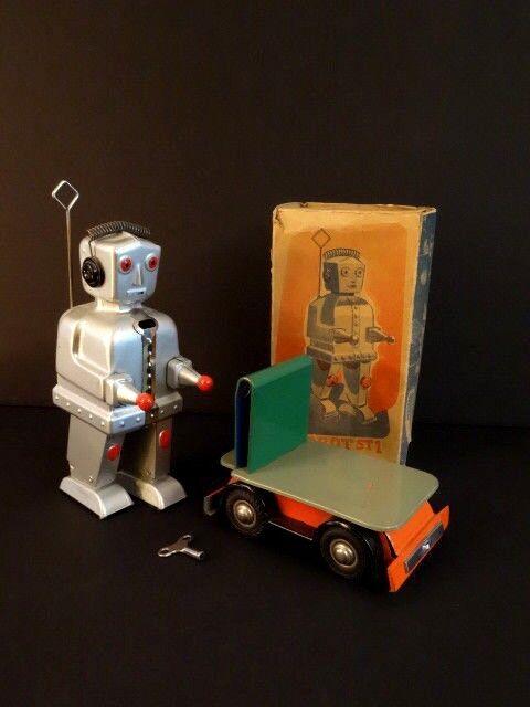 All Original STRENCO ST-1 Robot With Cart And Original Box Germany 1956 (2)