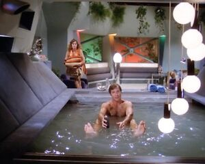 Gil En El Jacuzzi.Details About Gil Gerard Shirtless Buck Rogers Rare New 8x10 Photo Yjq 01
