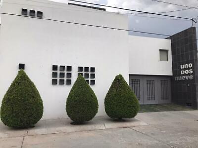 Amplia Casa Residencial Estilo Contemporáneo  en Renta en Lomas 4ta Sección SLP