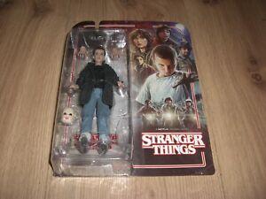 Stranger-Things-Eleven-Punk-Actionfigur-15cm-McFarlane-Toys-NEU