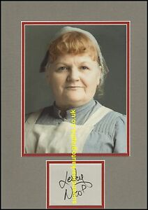 Lesley-Nicol-Mrs-Patmore-The-Cook-Downton-Abbey-Autograph-UACC-RD96