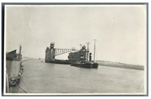 Egypte-Canal-de-Suez-Bateau-devant-le-gare-du-km-145-Vintage-silver-print-T