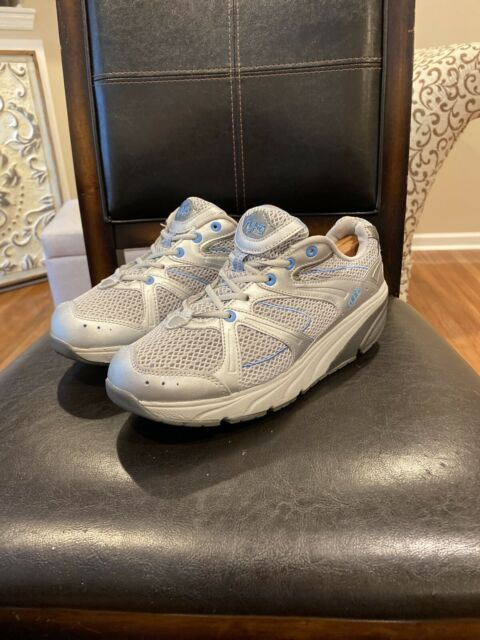 Ryka Walking Shoe Rocker white & Blue size 10 Wide Women's Pre Owned