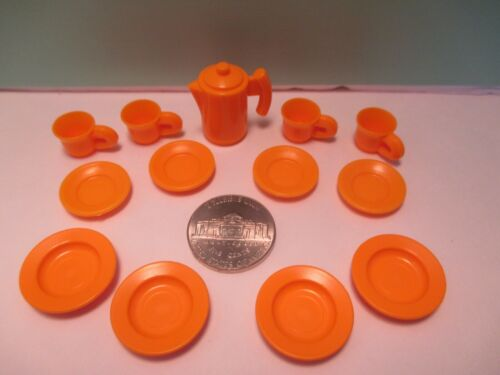 COFFEE POT Playmobil kitchen SET OF ORANGE DISHES = 4 CUPS 8 PLATES 2 sizes