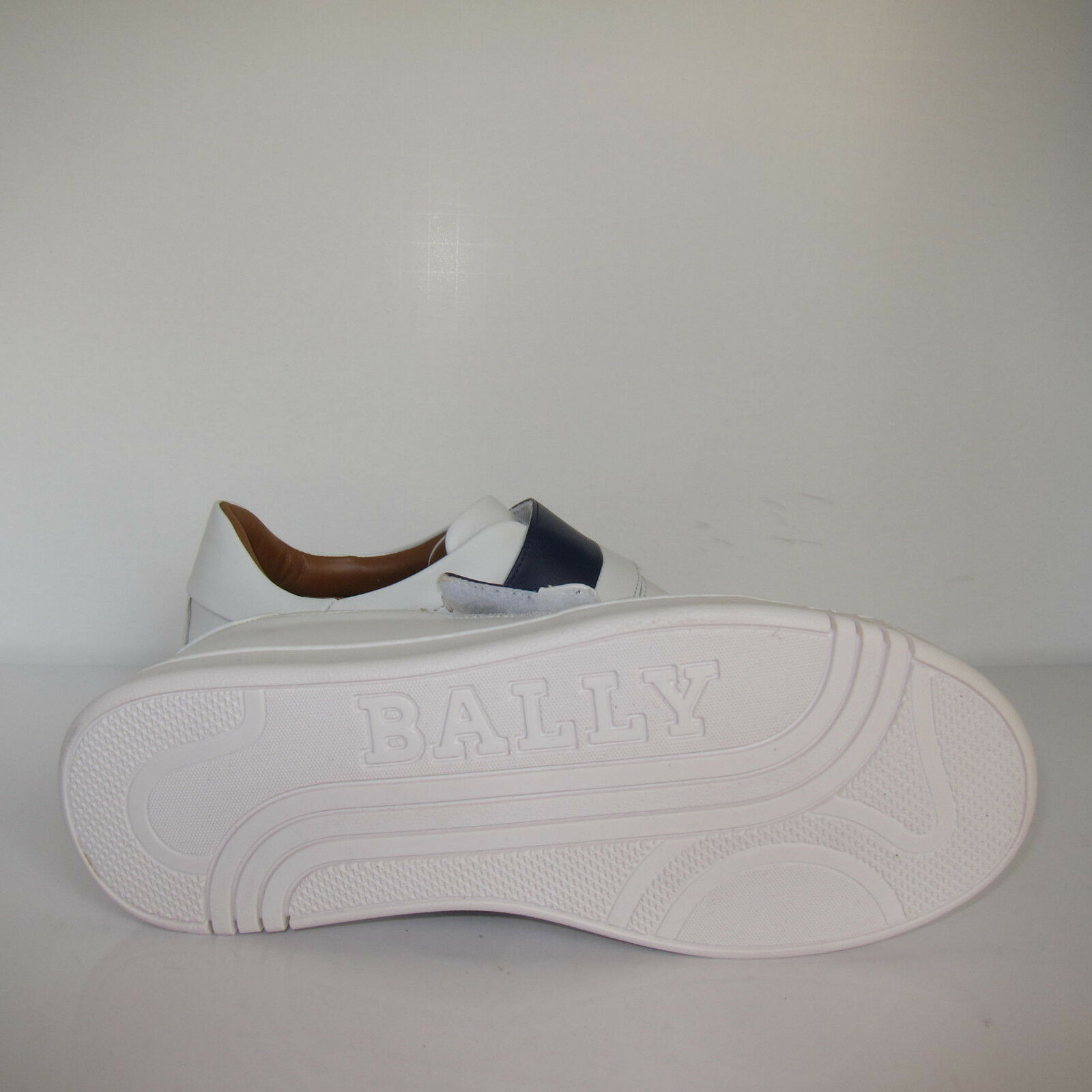 C-1644140 New  Bally Willet White Calf Plain  New Shoes Size US 7 D 849658