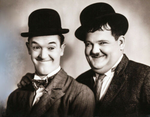 FREE 1ST CLASS POSTING /'LAUREL /& HARDY/' A5 BIRTHDAY//CHRISTMAS CARD ANY OCCASION