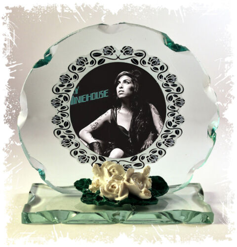 Amy Winehouse Cut Glass Round Plaque Frame  Limited Edition Memorabilia #4