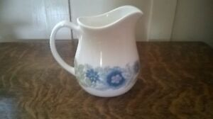 Wedgwood-bone-china-milk-jug-Clementine-design