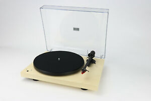 Pro-ject-Debut-Record-Master-Turntable-Phono-Stage-amp-USB-Output-Maple